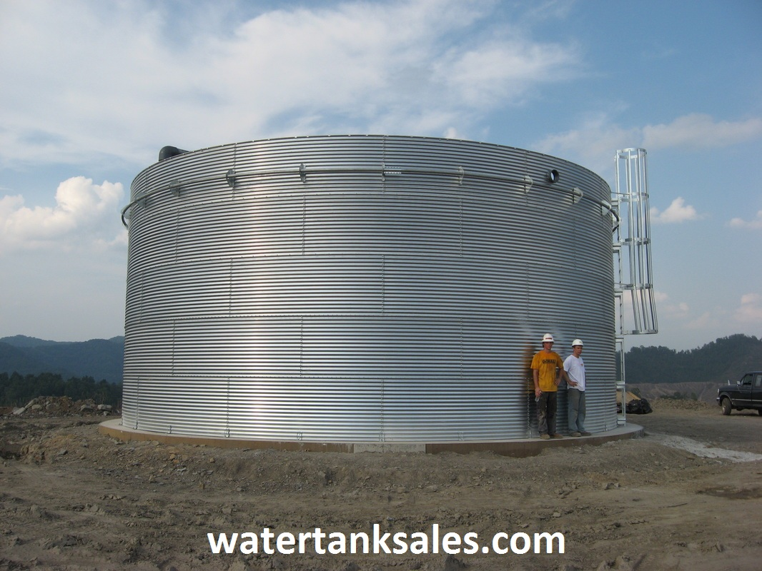 Water Storage Tank with Inverted Roof